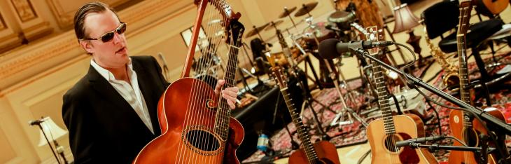 Bonamassa: pace con la chitarra acustica