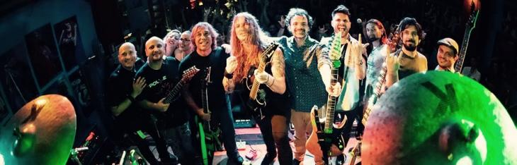 Irriverente, estrema, colorata: in scena la musica dell'Ibanez RG Tour
