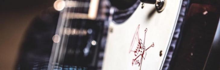 La nuova signature di Slash è una Firebird
