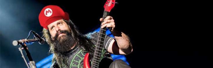 John Petrucci suona Super Mario