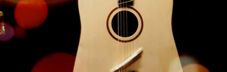Forse la travel guitar più furba di sempre, ma è un flop