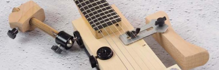 Una chitarra snodata per studiare l'ergonomia perfetta