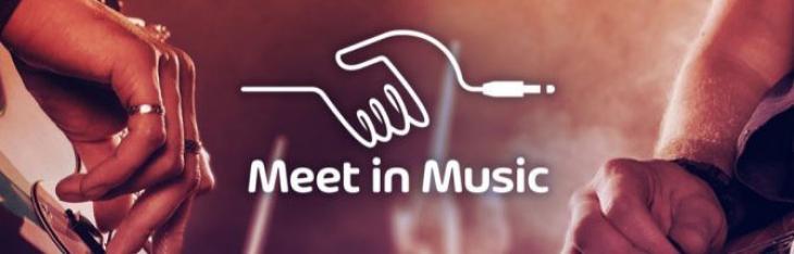 Vai a Custom Shop Milano, conosci musicisti, torni con una Strat!