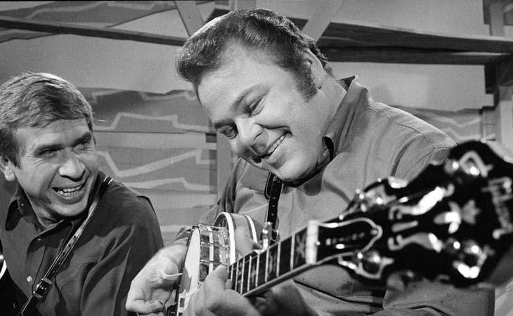 Roy Clark: il chitarrista intrattenitore