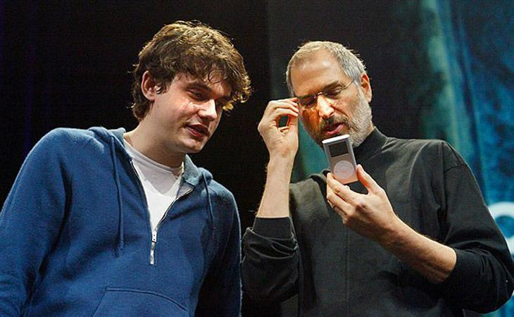Guarda John Mayer presentare GarageBand per Apple nel 2004