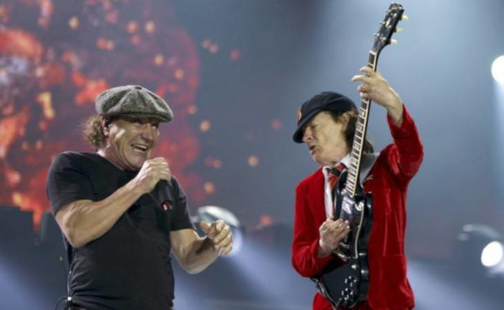 Brian Johnson tornerà in tour con gli AC/DC