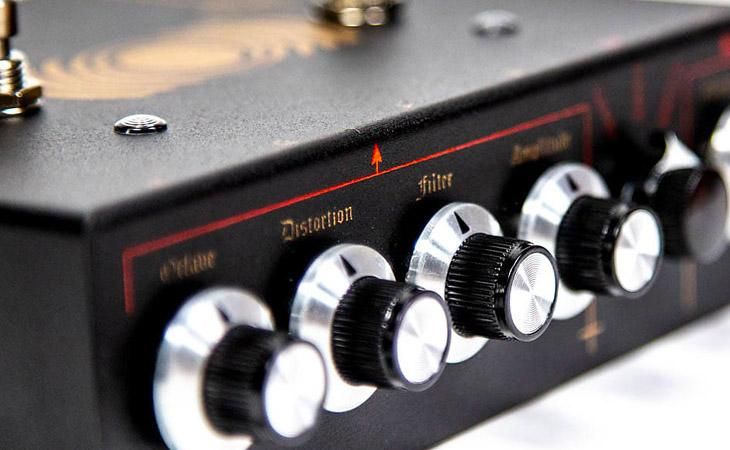 Life Pedal: distorsore, octaver e boost in serie limitata