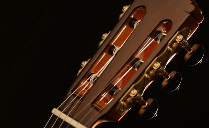 Martinez Guitars in Italia con Aramini