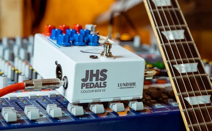 JHS Colour Box V2: channel strip a portata di piede