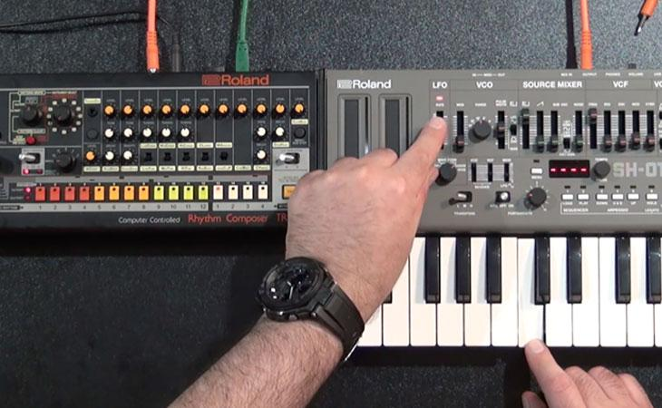 Come sincronizzare drum machine e sequenze synth con Roland