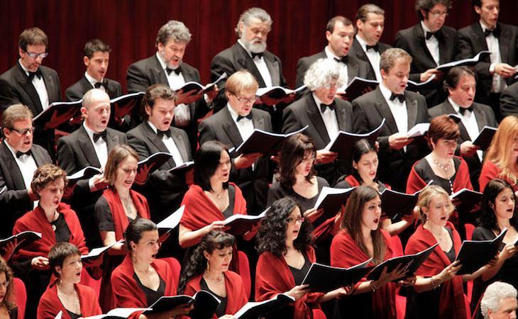 Fabrizio Dorsi: Maestro del Coro e Direttore d'Orchestra