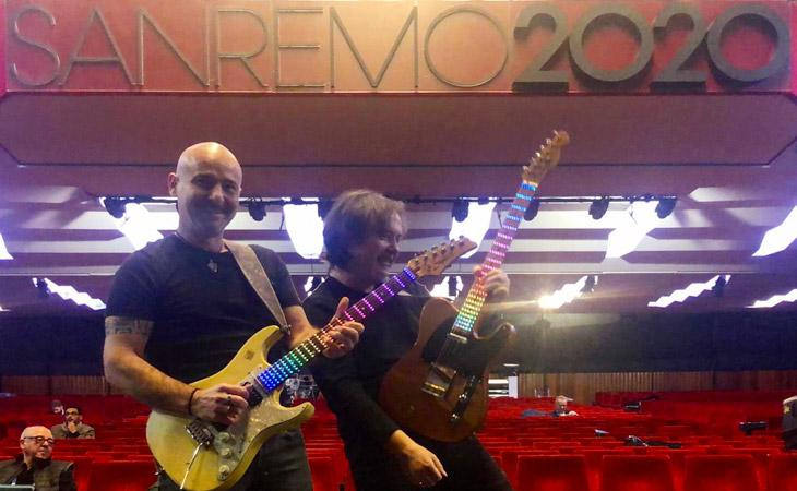 Sanremo 2020: Visual Note colora le chitarre dell' Ariston