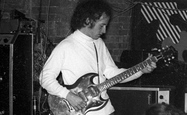 """Robby Krieger insegna a suonare """"Roadhouse Blues"""""""